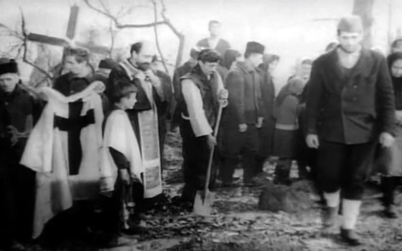 """Kadar iz filma """"Čovek iz hrastove šume"""", Mića Popović, 1964. Foto: S. Karamanić"""