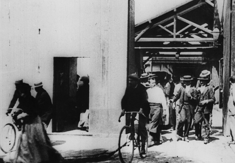 Izlazak iz fabrike (La Sortie de l'Usine, 1985