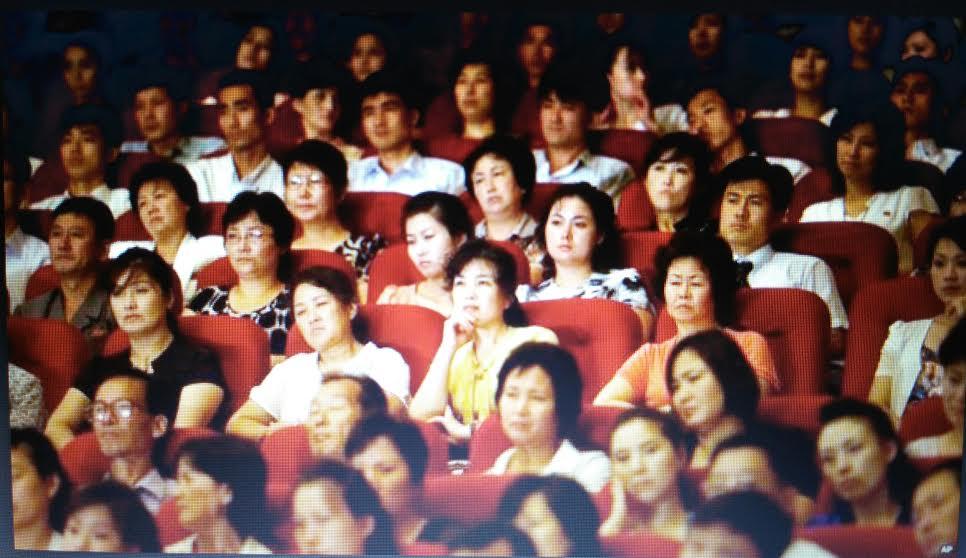publika na koncertu lajbaha u pjongjangu