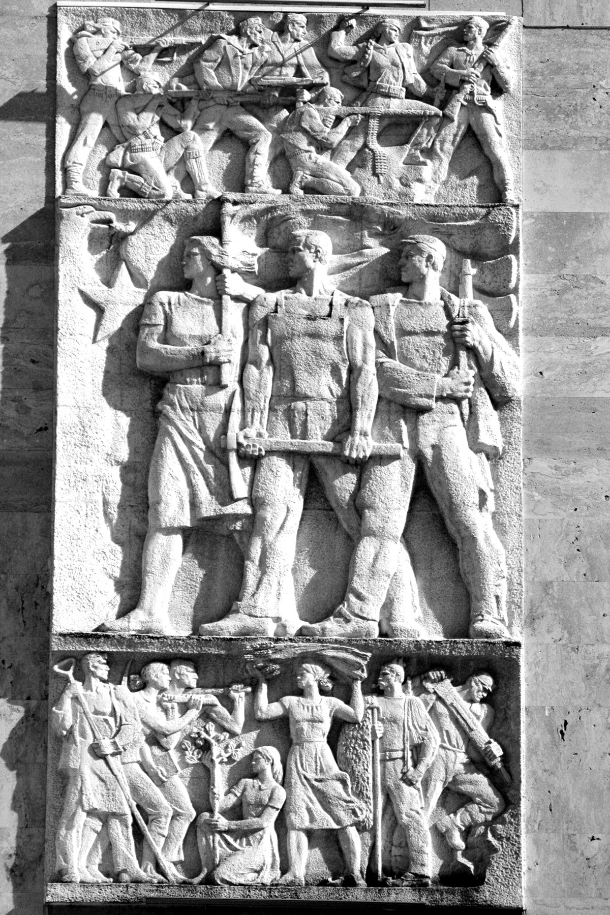 001_Bas-relief Prime Minister Building