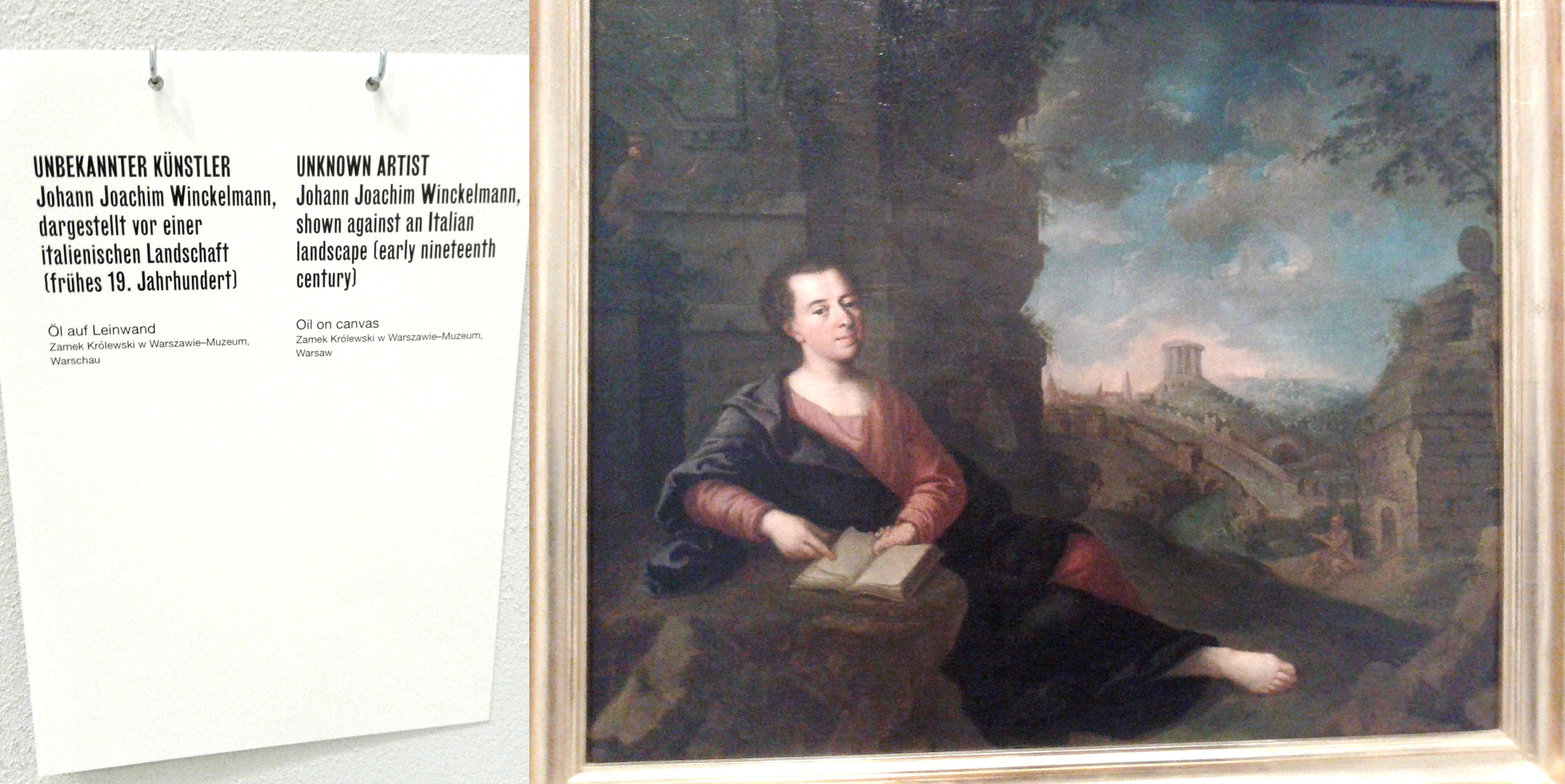 """Portret Johana Joakima Vinkelmana (Johann Joachim Winckelmann), nepoznati autor, Dokumenta 14, Neue Galerie, Kasel, 2017. Vinkelman se smatra jednim od utemeljitelja istorije umetnosti, poznat je po idealizovanom odnosu spram antičke Grčke, a posebno je važan za oblikovanje neoklasičnog ukusa i prosvetiteljsku doktrinu. Na sajtu Dokumente 14, stoji da je Vinkelman jedan od učesnika izložbe: izloženi su faksimili njegovih rukopisa i njegov portret, naslikan od strane nepoznatog autora. Stvara se utisak da su organizatori ovogodišnje Dokumente pokušali da evociraju Vinkelmanove """"imitativne"""" mehanizme kakve je on svojevremeno pripisivao umetnosti, kako bi iznova """"otkrili Grčku"""", a sve u cilju dalje stabilizacije postojećih odnosa moći. Foto: DeMaterijalizacija umetnosti, 2017."""