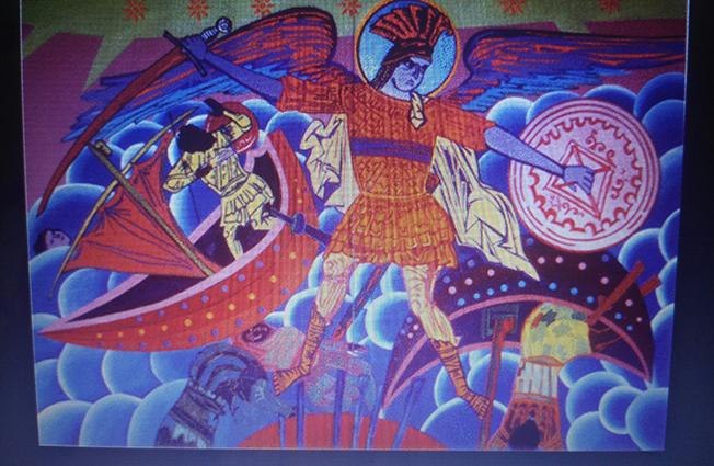 """Još radova koji postmodernističkim strategijama reprodukuju nacionalne mitove. Rad Milete Prodanovića """"Ruka koja seče - anđeo istorije II"""", 1997. Foto: DeMaterijalizacija umetnosti, 2018."""