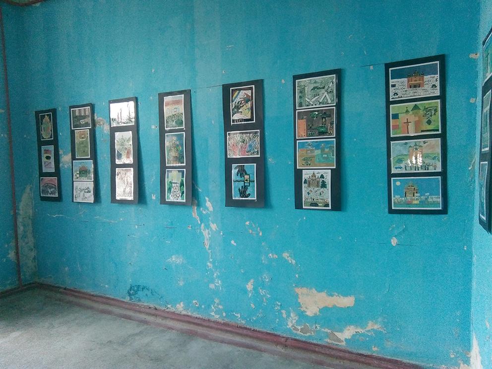 Slika 1c. Dečiji radovi u Muzeju revolucije u temišvaru. Foto: Nebojša Milikić, 2019.